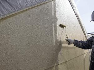 高圧洗浄・下塗り・中塗りと常に十分な乾燥期間を確保することが重要です。