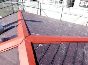 サビ止め塗装の終了です。日陰になる場合や北側は特に劣化が激しいので、入念な補修とサビ止め塗装が必須です。