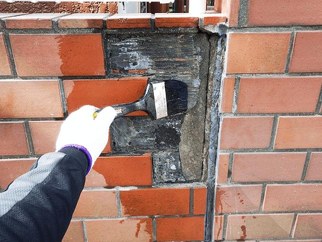 東京都足立区にてレンガ塀を補修